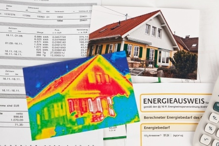 17122347_S_ energy save heat scan house